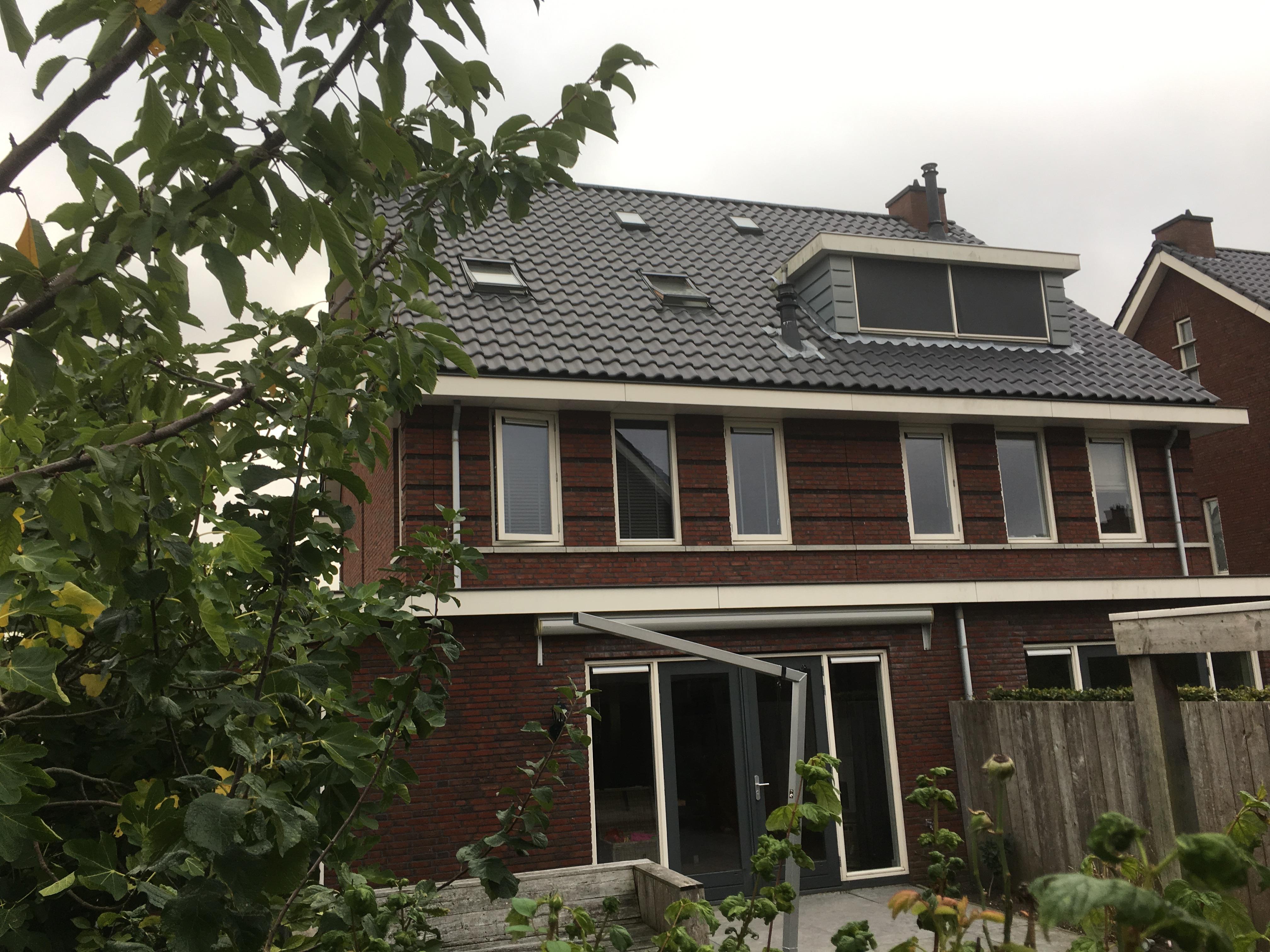Volledig buitenschilderwerk 2-onder-1-kap woning Barendrecht